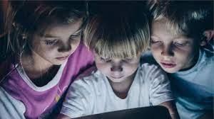 Küçük Çocuklarda Ekran Kullanımı O Kadarda Zararlı Değil!
